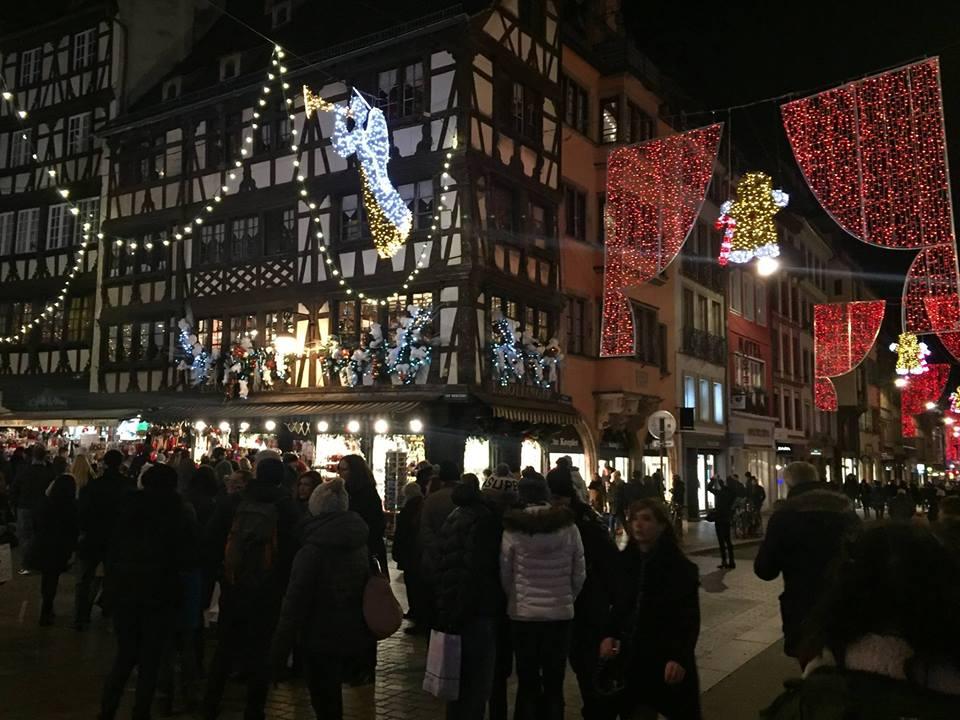 Mercado de Natal de Strasbourg na França. Foto: NiKi Verdot.