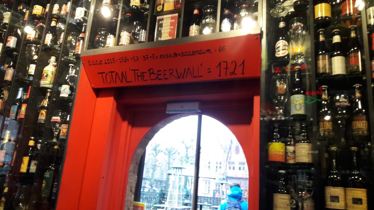 Parede de Cervejas em Bruges