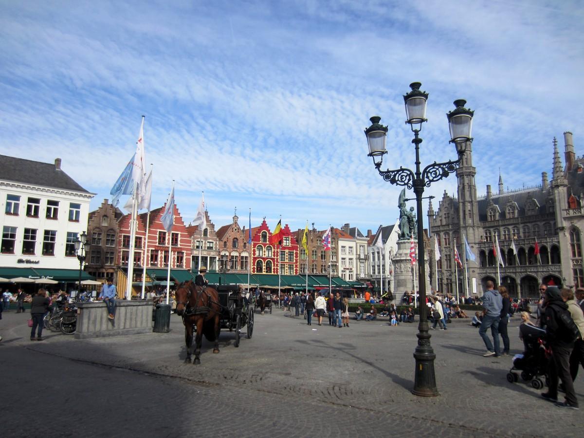 Markt - Bruges, Bélgica. Foto: NiKi Verdot | 1001 Dicas de Viagem