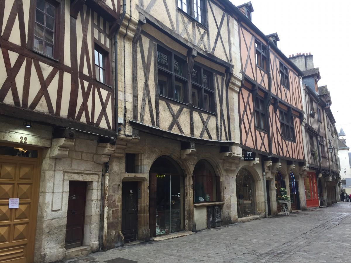 Dijon rota dos vinhos da Borgonha