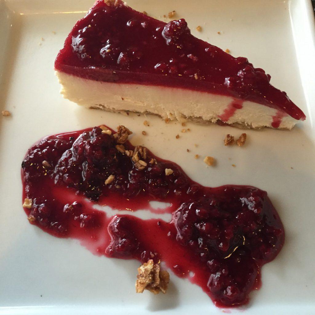 Cheesecake de Frutas Vermelhas - Cantina La Grassa. Foto: NiKi Verdot.