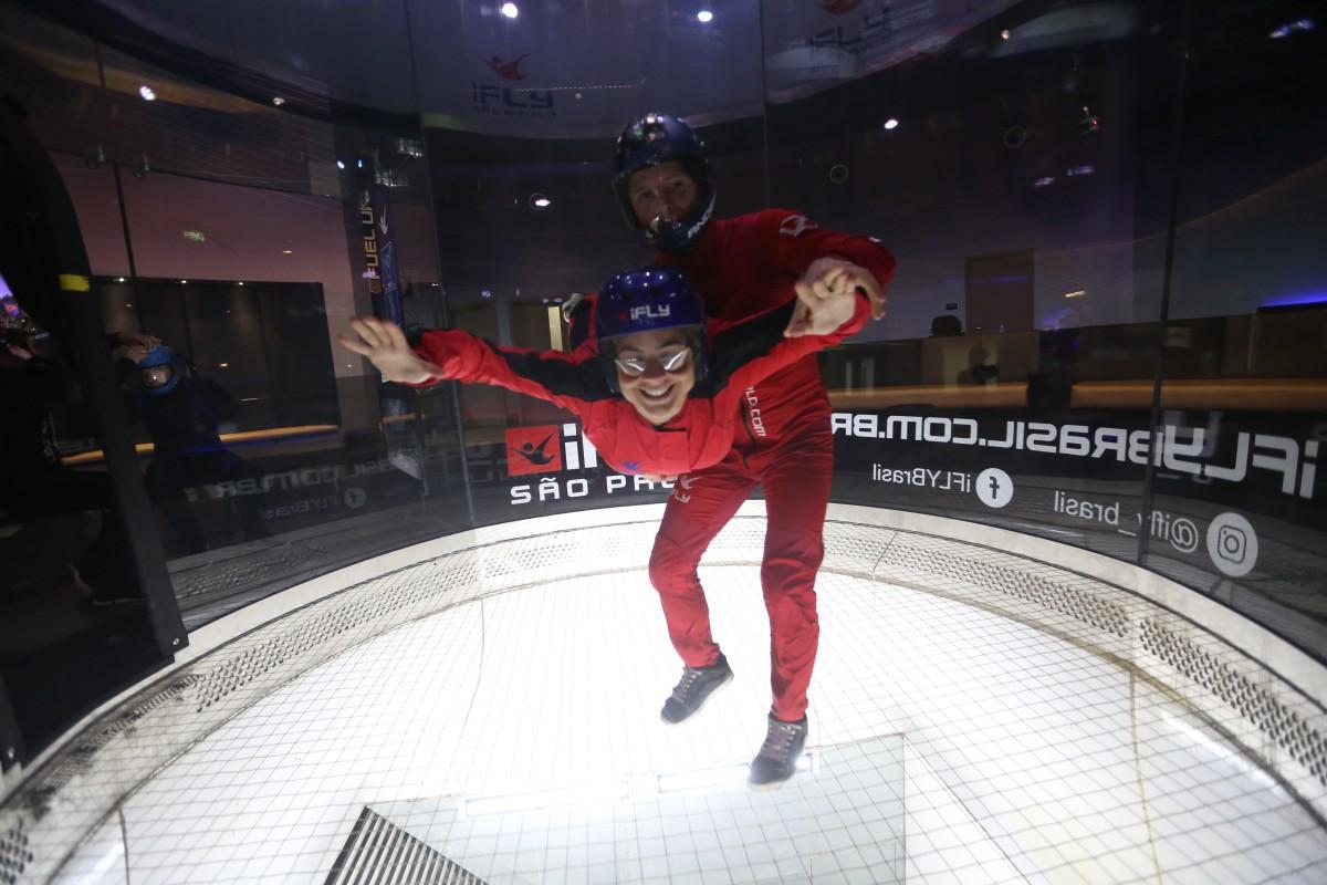 Paraquedismo Indoor em São Paulo iFLY Brasil - Skydiving Indoor Experience | 1001 Dicas de Viagem