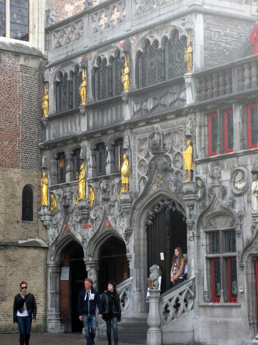 Basílica do Sangue Sagrado - Bruges, Bélgica. Foto: NiKi Verdot | 1001 Dicas de Viagem