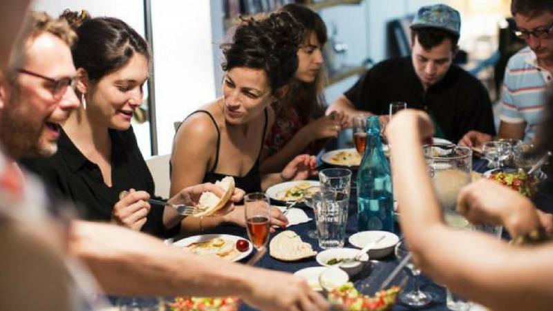Anfitriões Dinneer | 1001 Dicas de Viagem