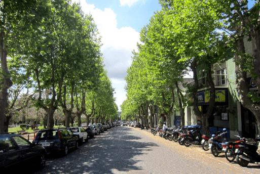 Avenida General Flores Colonia del Sacramento Uruguay | 1001 Dicas de Viagem