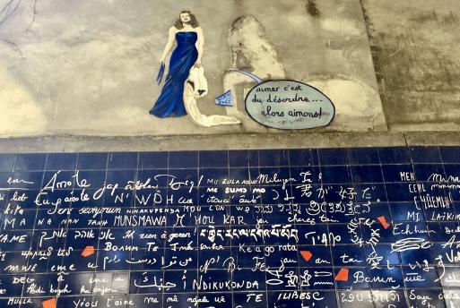 Roteiro em Paris: Muro dos Eu Te Amo - Muro do Eu Te Amo - Mur des Je t'Aime | 1001 Dicas de Viagem