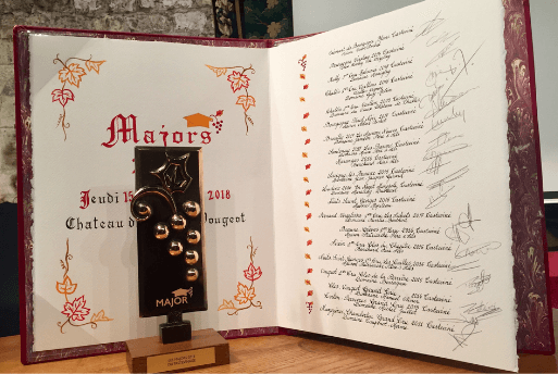 Château du Clos de Vougeot Les Chavaliers du Tastevin - Les Majors du Tastevinage - Evento que seleciona os melhores vinhos da Borgonha   1001 Dicas de Viagem - Petite Verdot